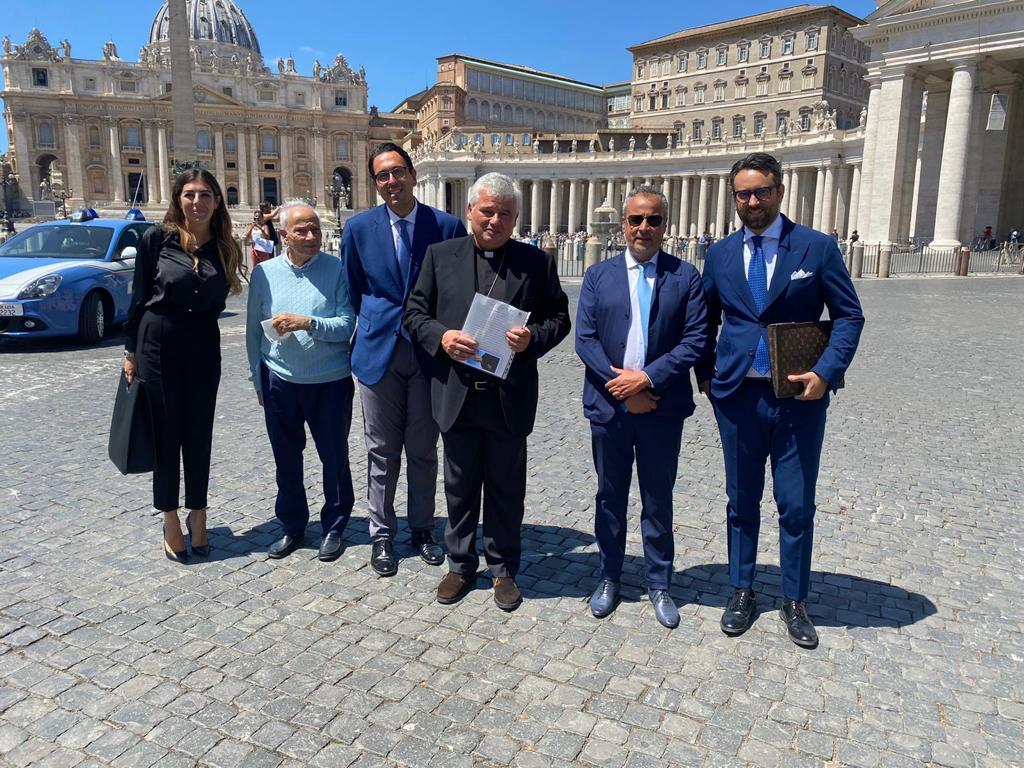 Donazione alla Elemosineria Apostolica della Santa Sede